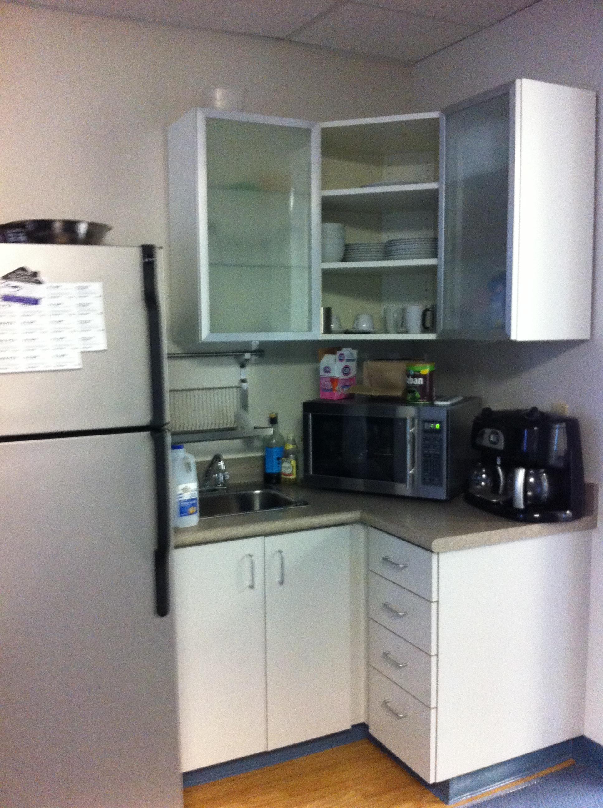 Kitchennette - Fridge not included