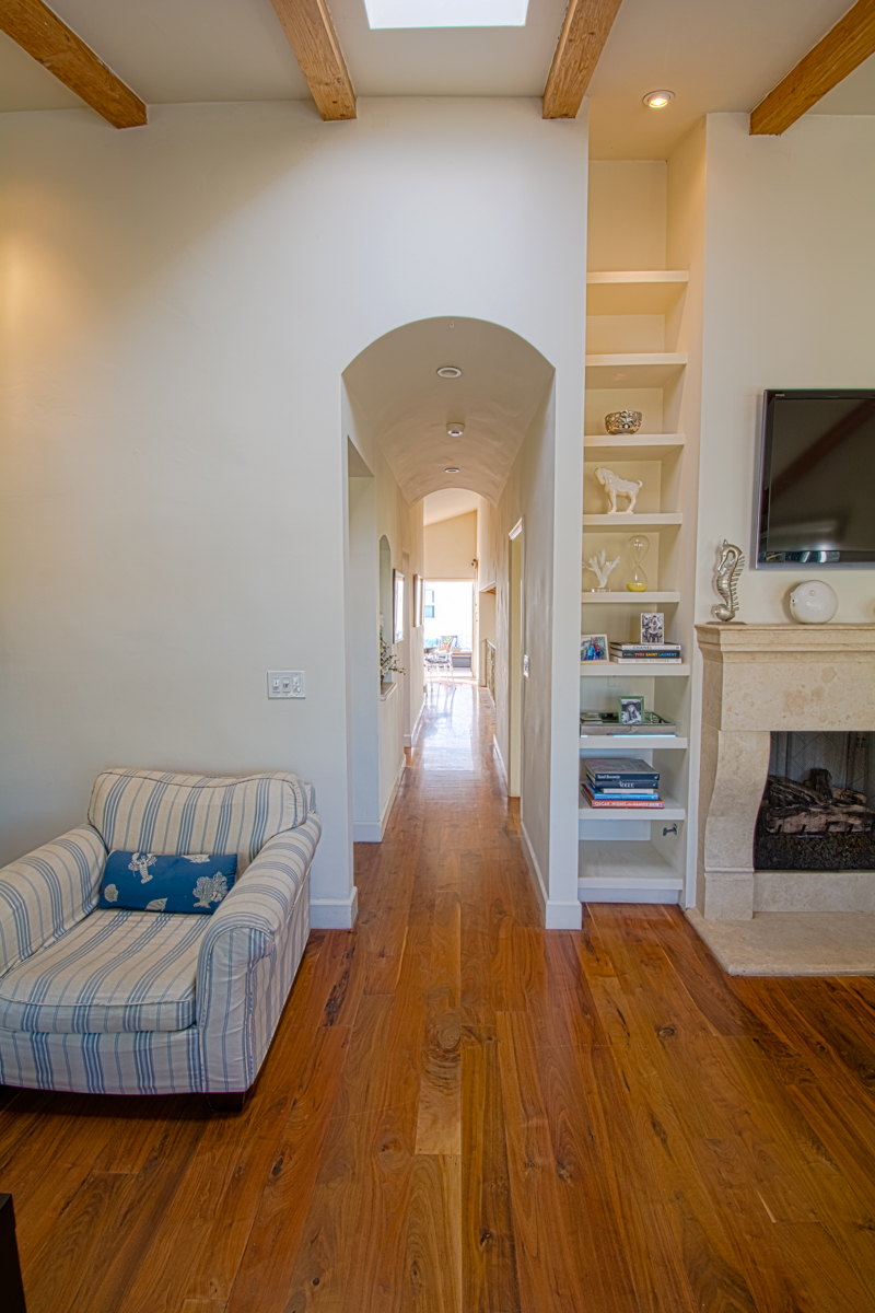 Hallway from Kitchen to Family Room